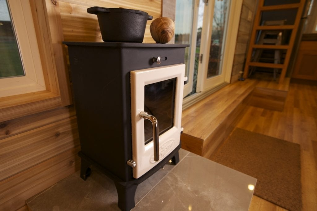 Glossy tile hearth and Dwarf 4kW